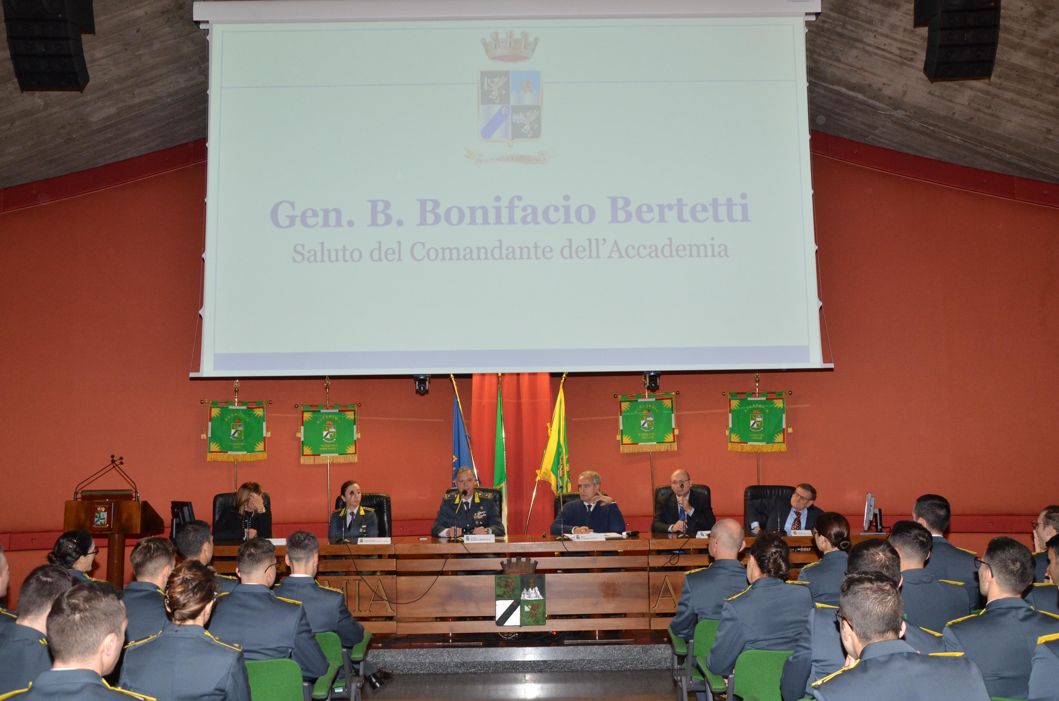 Il Gen. B. Bonifacio Bertetti apre i lavori